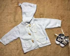 Campera con capucha y botones de madera Le Petit Aurac, 3 a 6 meses.