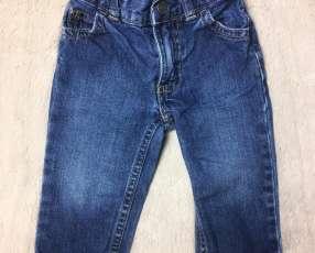 Pantalón de Jean Carters, 9 meses.