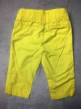 Pantalón Baby Gap 6 a 12 meses.