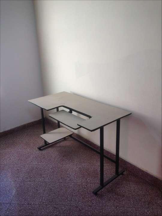 Mesa para computadora - 0