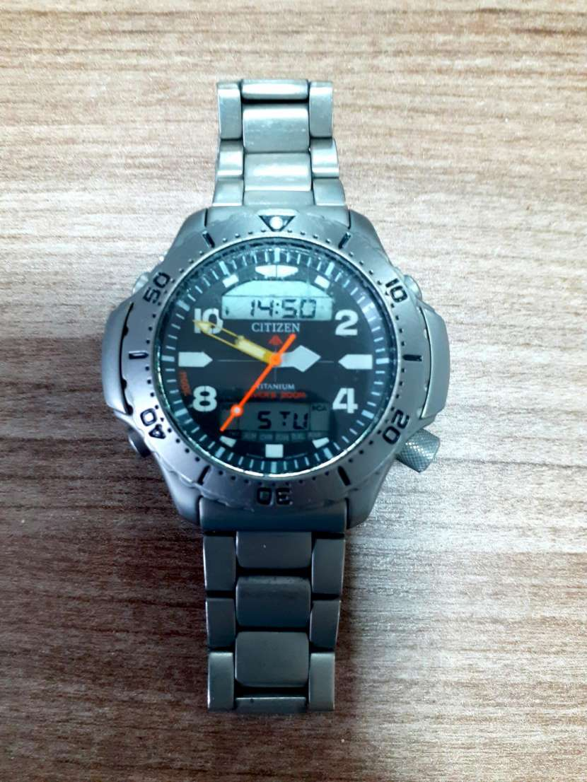 Reloj Citizen Base Titanio - 0