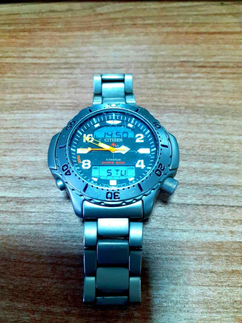 Reloj Citizen Base Titanio - 4