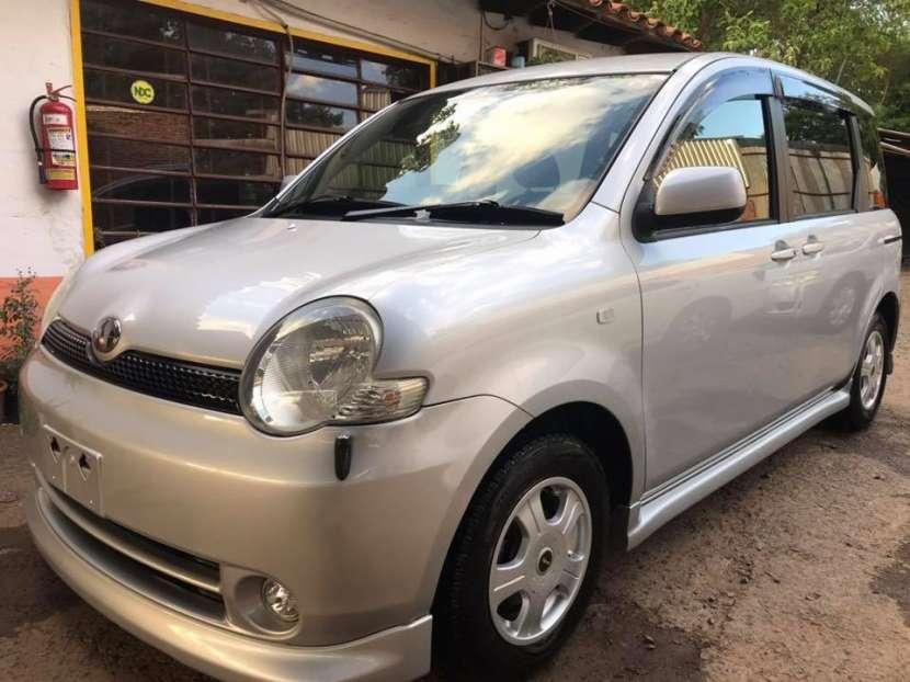 Toyota Sienta 2004 - 1