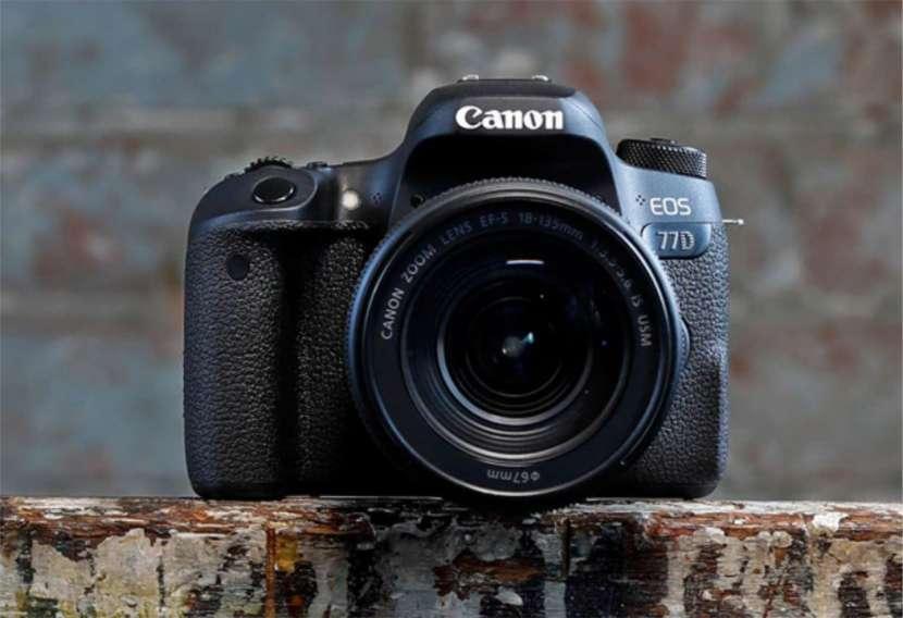 Cámara Canon 77D Kit 18 135 - 0