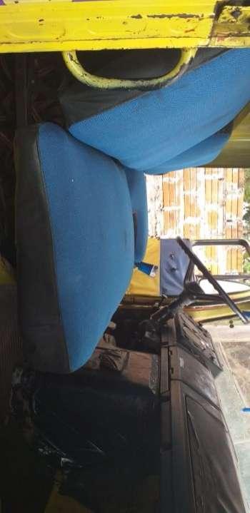 Mercedez-Benz color amarillo 11 13 - 5