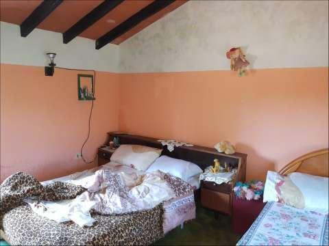 Casa en Limpio 5 dorm. a 1 cuadra de la ruta atras de Fortis - 2