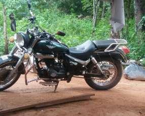 Moto kenton Eagle motor 200 cc