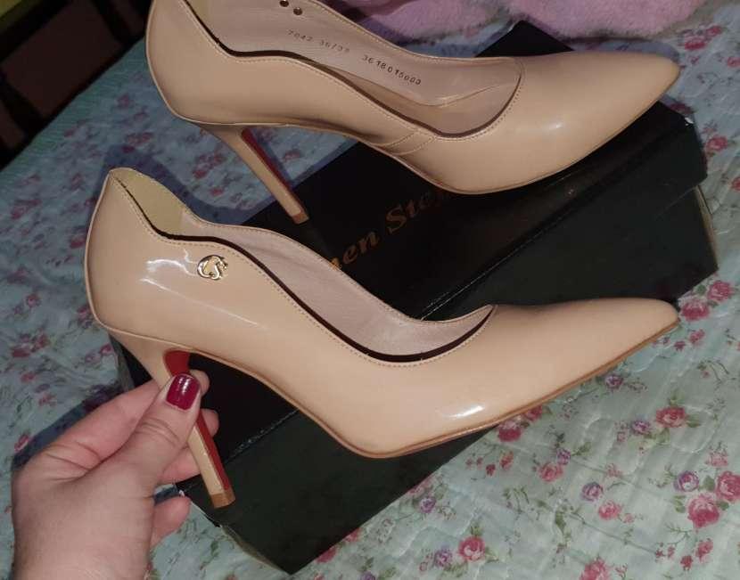 Zapato taco alto calce 37 - 0