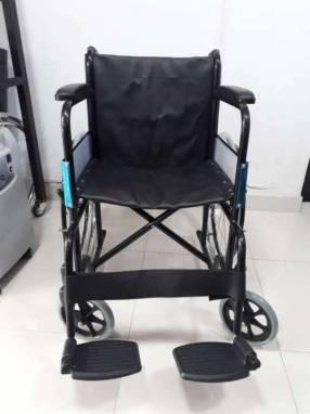 Silla de ruedas estándar pintada