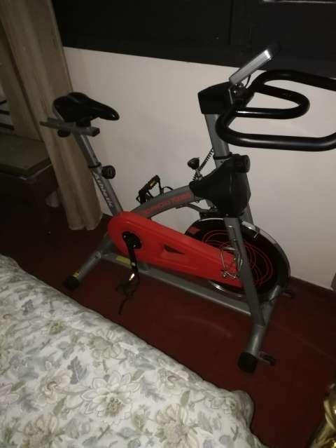Bicicleta estática Athletic 700BS - 0