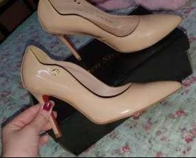 Zapato taco alto calce 37