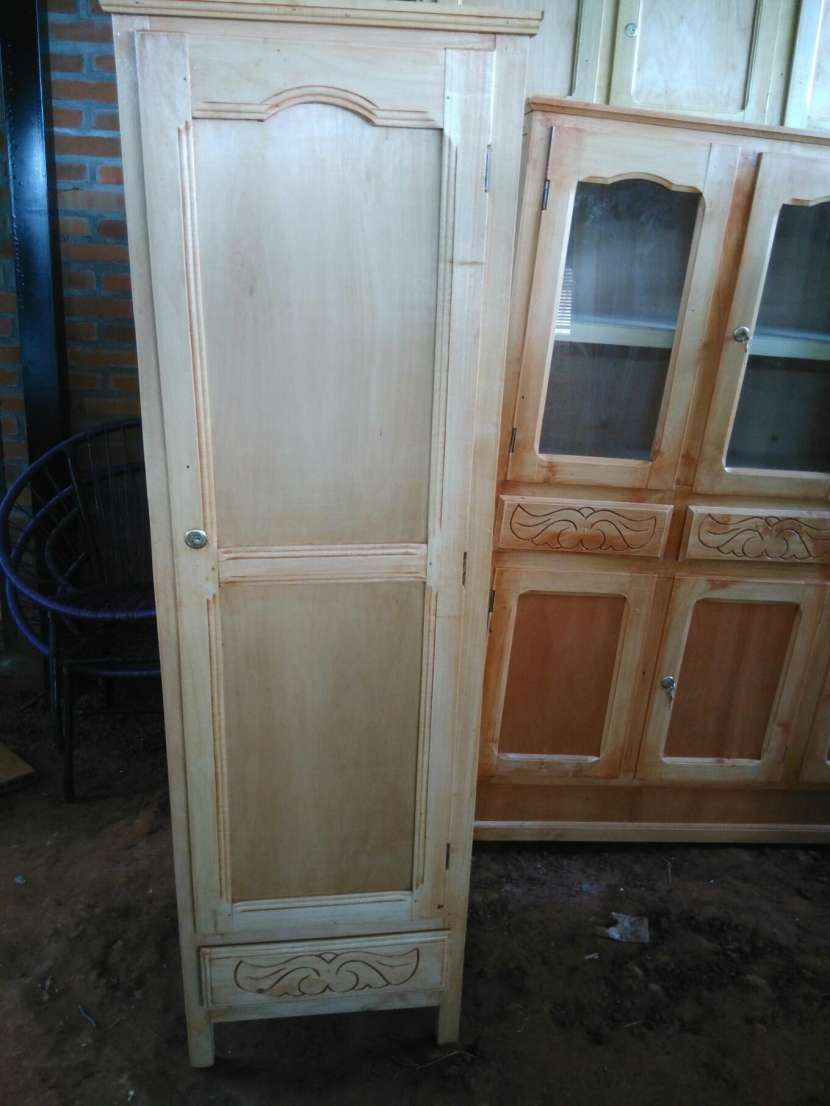 Ropero de una puerta - 0