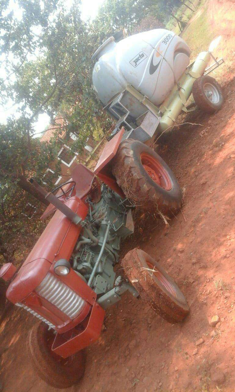 Tractor Massey Fergusson - 1