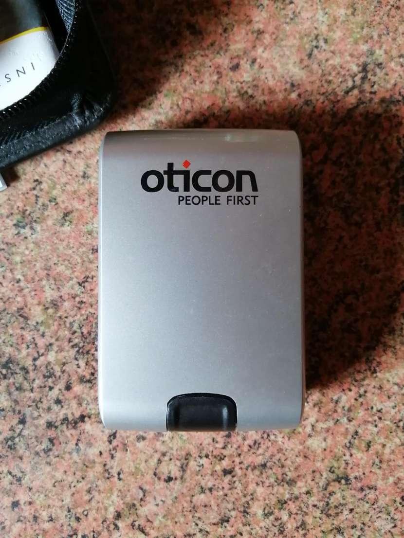 Audífono retroauricular BTE Oticon - 3