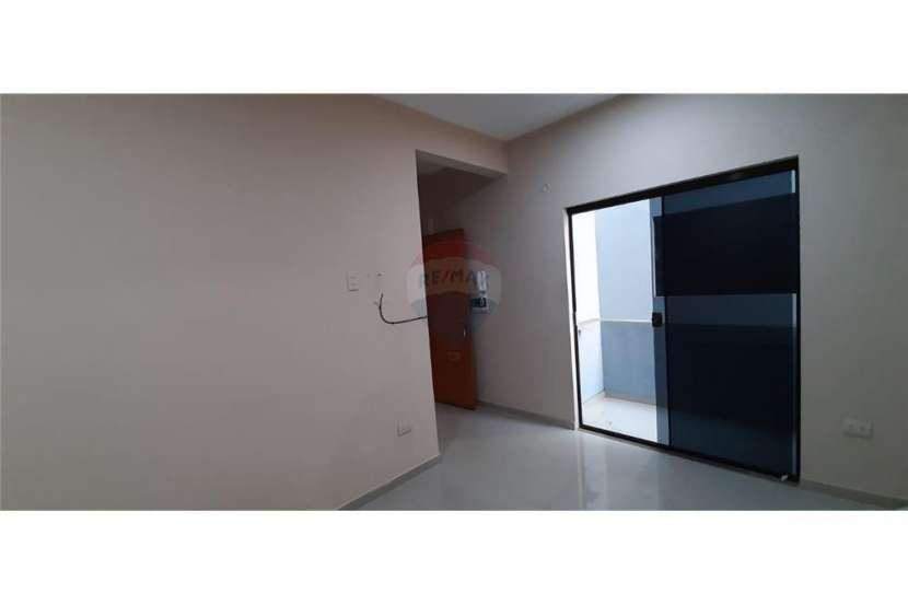 Departamento zona Shopping San Lorenzo - 5