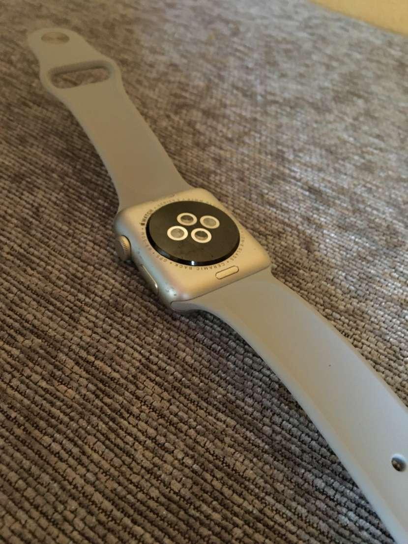 Apple Watch ️Serie 2 42MM - 3