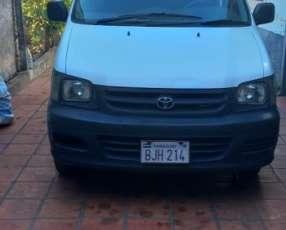Toyota Noah 2001