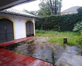 Casa a pasos de Barrio San Vicente 384 m2