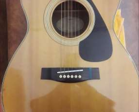 Guitarra electroacústica Yamaha FG-331 impecable
