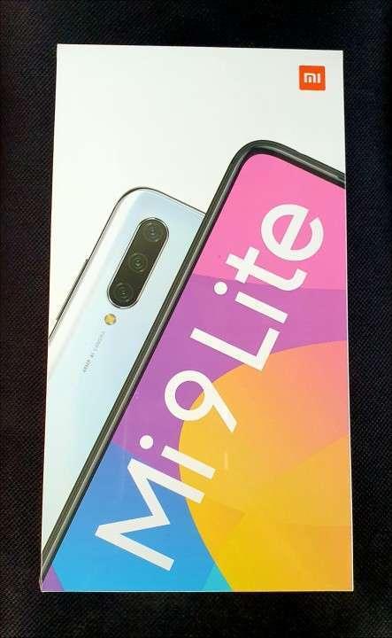 Xiaomi Mi 9 Lite 6 gb ram y 128 gb nuevo - 0