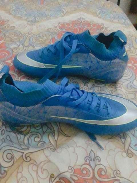 Botín Nike calce 36/37 - 1