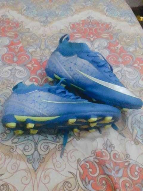 Botín Nike calce 36/37 - 2