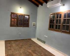 Casa Semi amoblada con piscina en Mariano Roque Alonso