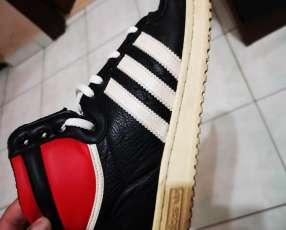 Calzado Adidas usado