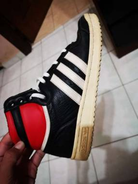 Calzado Adidas calce 41