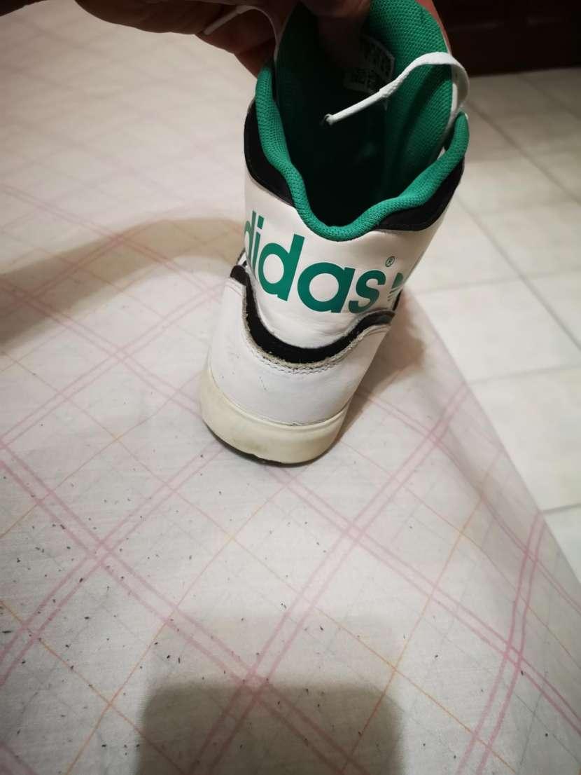 Calzado Adidas calce 39/40 - 1