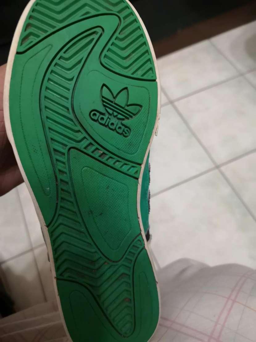 Calzado Adidas calce 39/40 - 7