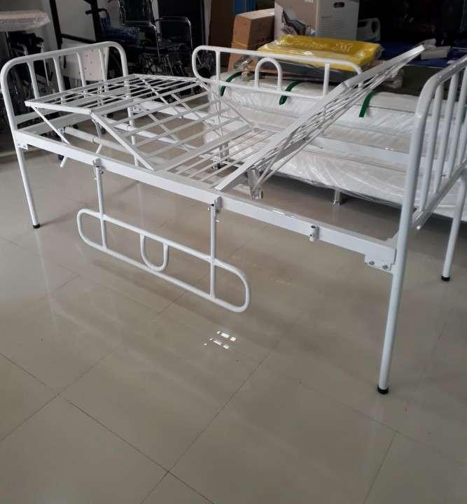 Alquiler de cama de 2 movimientos manual - 0