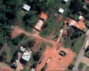 Casa con piscina en Ypané