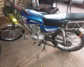 Motostar 150 con cédula verde