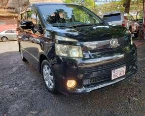 Toyota voxy 2008