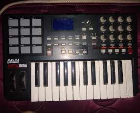 Akai profesional MPK25 keyboard