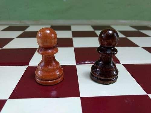 Juego de Ajedrez tamaño de torneo - 8