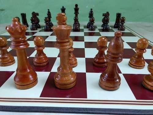 Juego de Ajedrez tamaño de torneo - 1