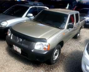 Nissan Frontier 2010 td27 sencillo