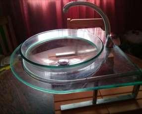 Mesada de vidrio templado con grifería completa