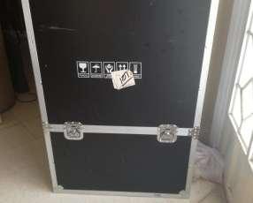 Caja para transporte de equipo audiovisual