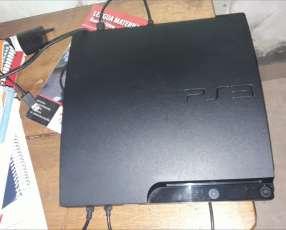 PS3 con 2 controles y juegos descargables