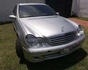 Mercedes Benz C270 CDI 2004 de Cóndor
