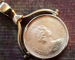 Colgante de libra esterlina engarzada en oro