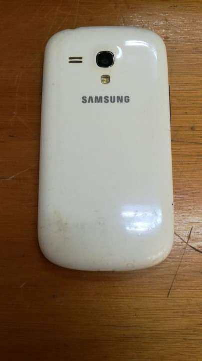 Samsung Galaxy S3 Mini - 1