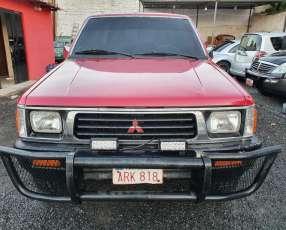 Mitsubishi L200 1994, motor 4d56 sencillo, caja mecánica