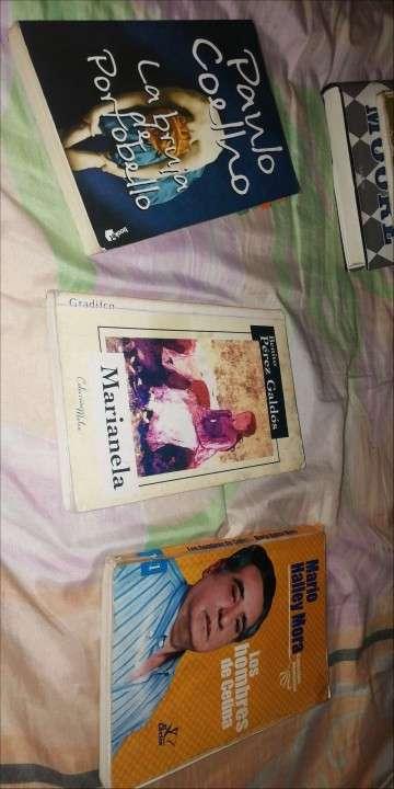 Libros, enciclopedias - 6