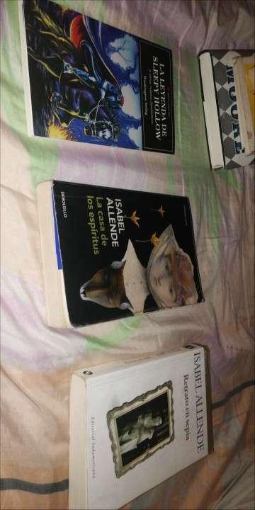Libros, enciclopedias - 5