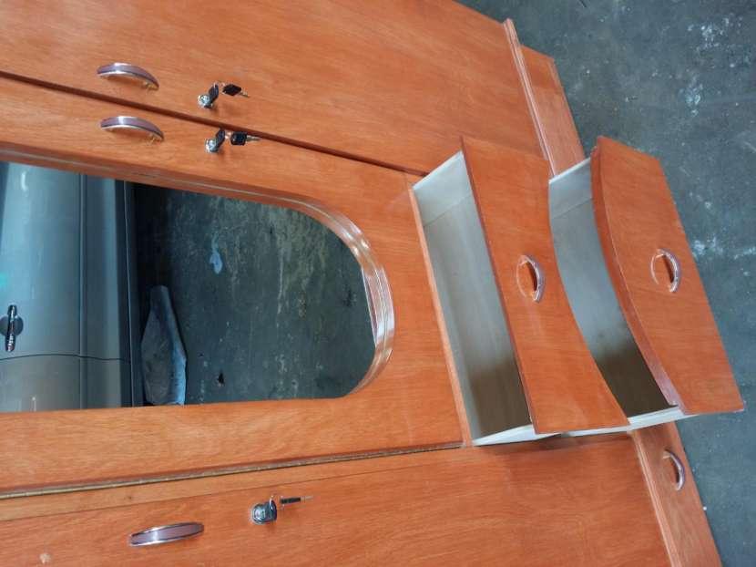 Ropero de 3 puertas - 2