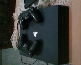 Playstation 4 Pro de un Tera con dos controles